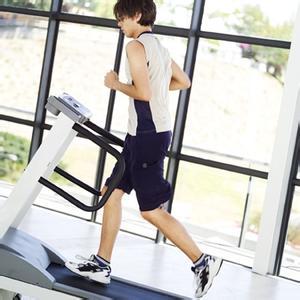 警惕跑步机上的错误健身方式