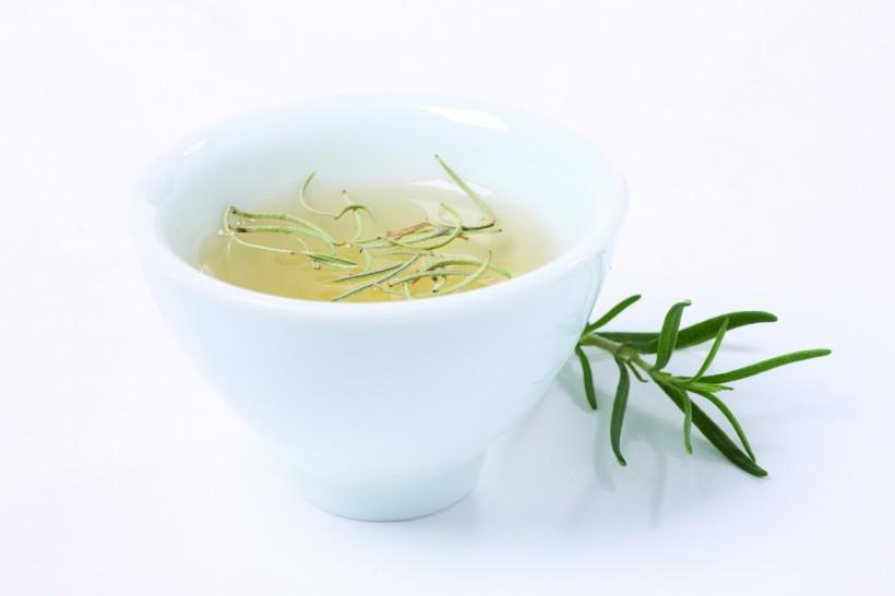 罗汉雪梨汤茶具有清热滋阴润喉消炎的功效