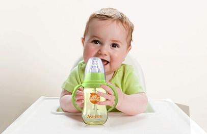 宝宝奶瓶的使用期限