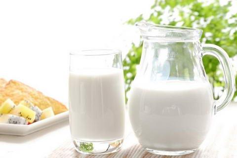 什么时候喝牛奶最好