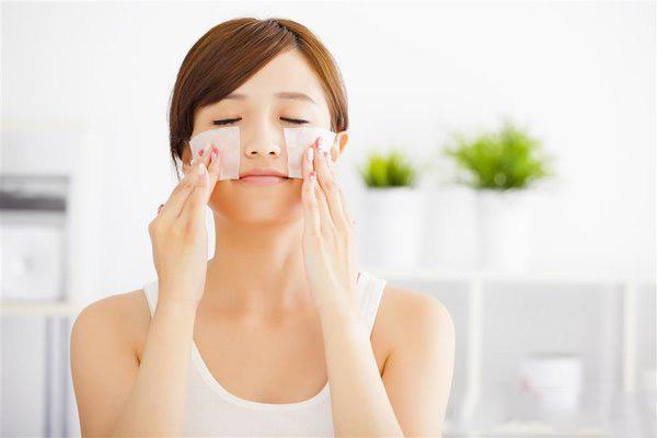 冬天皮肤干燥怎么补水最快 肌肤干燥缺水怎么改善
