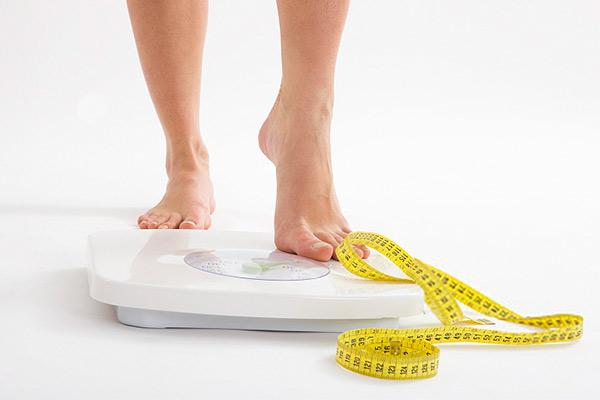 一个月瘦多少斤正常