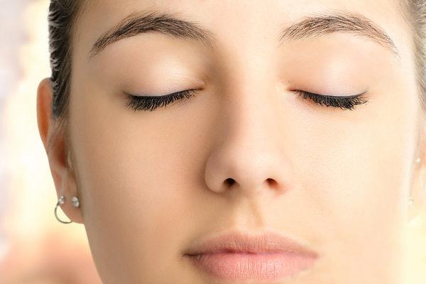 如何改善脸部肤色不均