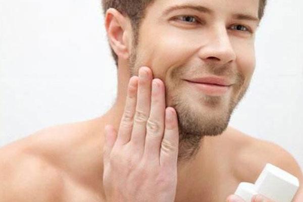 男士美白护肤的方法是什么