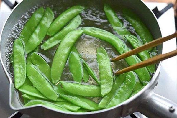 食物焯水六大好处:去除异味、降低农残、破坏毒素……