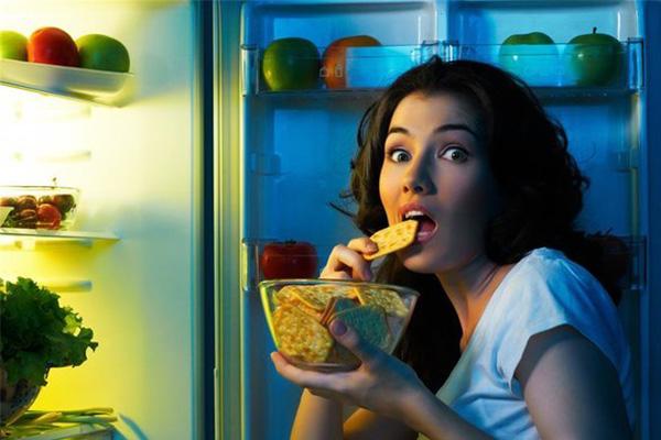 为什么深夜不宜吃东西?