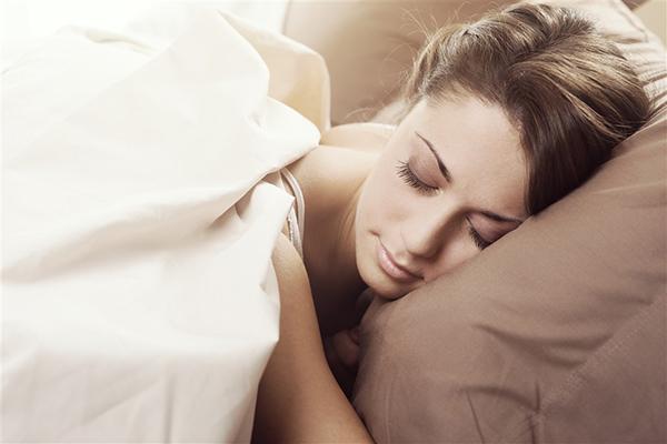 一天睡多久不容易生病?听听专家怎么说