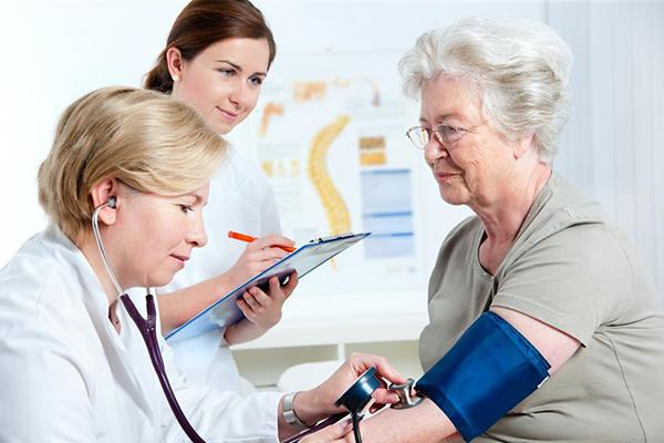 老年人血压降到多少合适